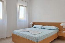 Un dormitorio muy cómodo para dos personas.
