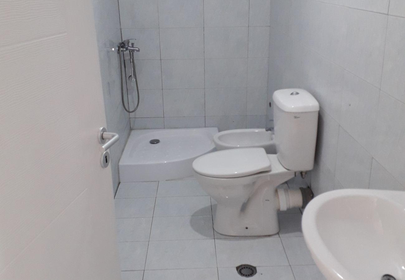 Baño con todo el equipamiento necesario