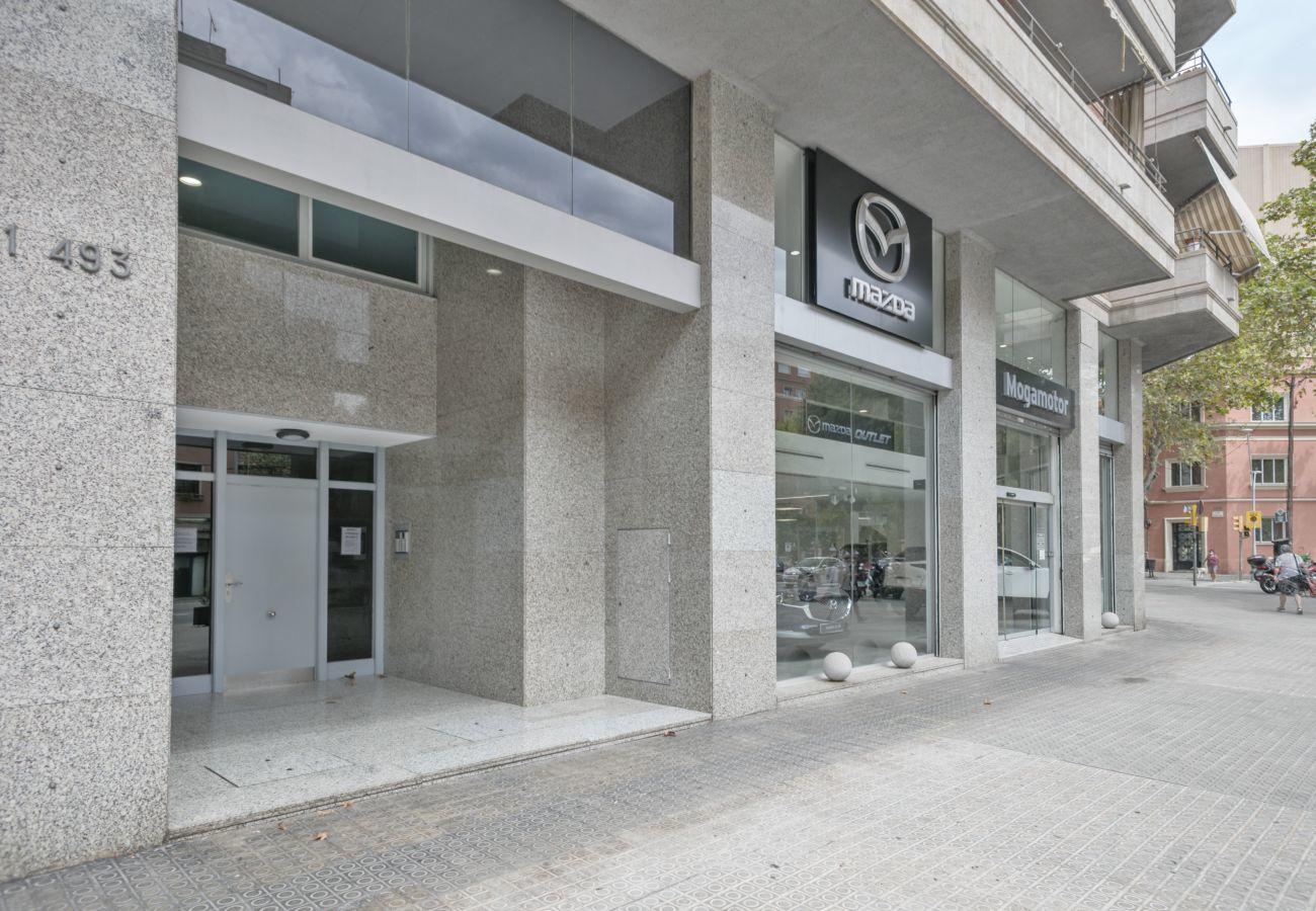façade de bâtiment appartement familial près de la Sagrada Familia