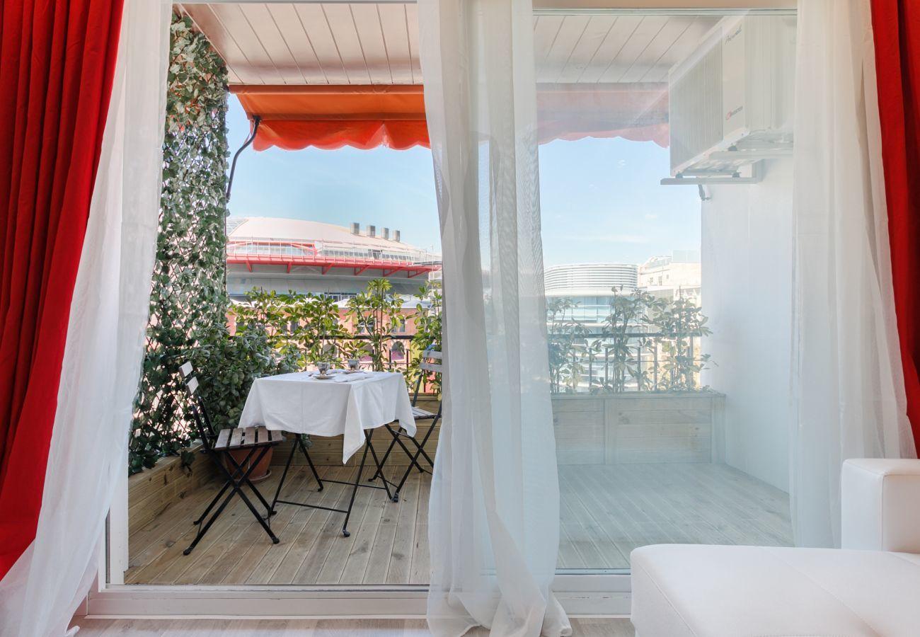 Grande terrasse avec vue sur un appartement de 4 chambres Barcelone