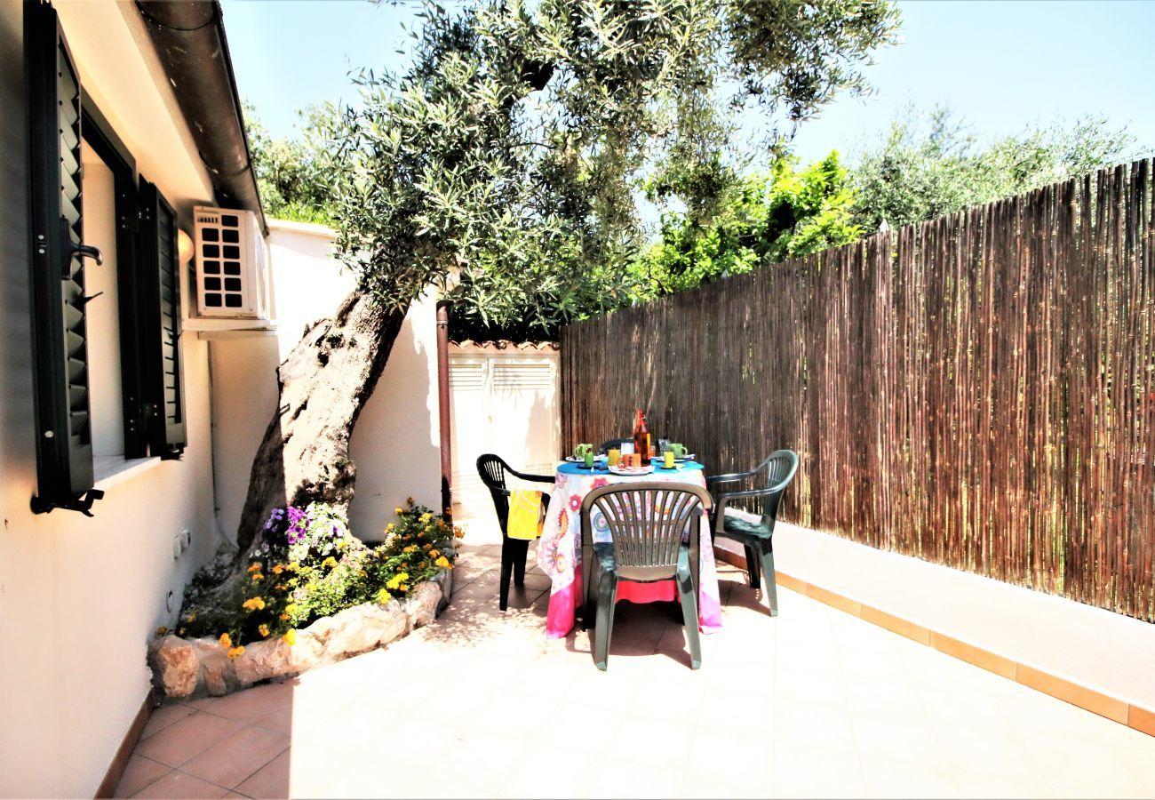Appartamento a Sperlonga - holidaycasa Luis - Loft con giardino privato