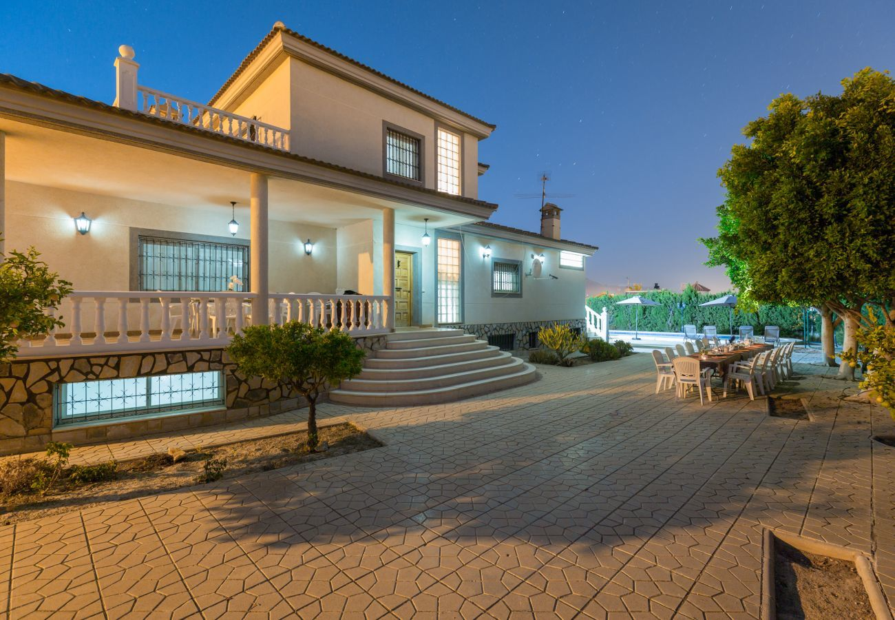 Villa a Mutxamiel - Fidalsa Grand White House