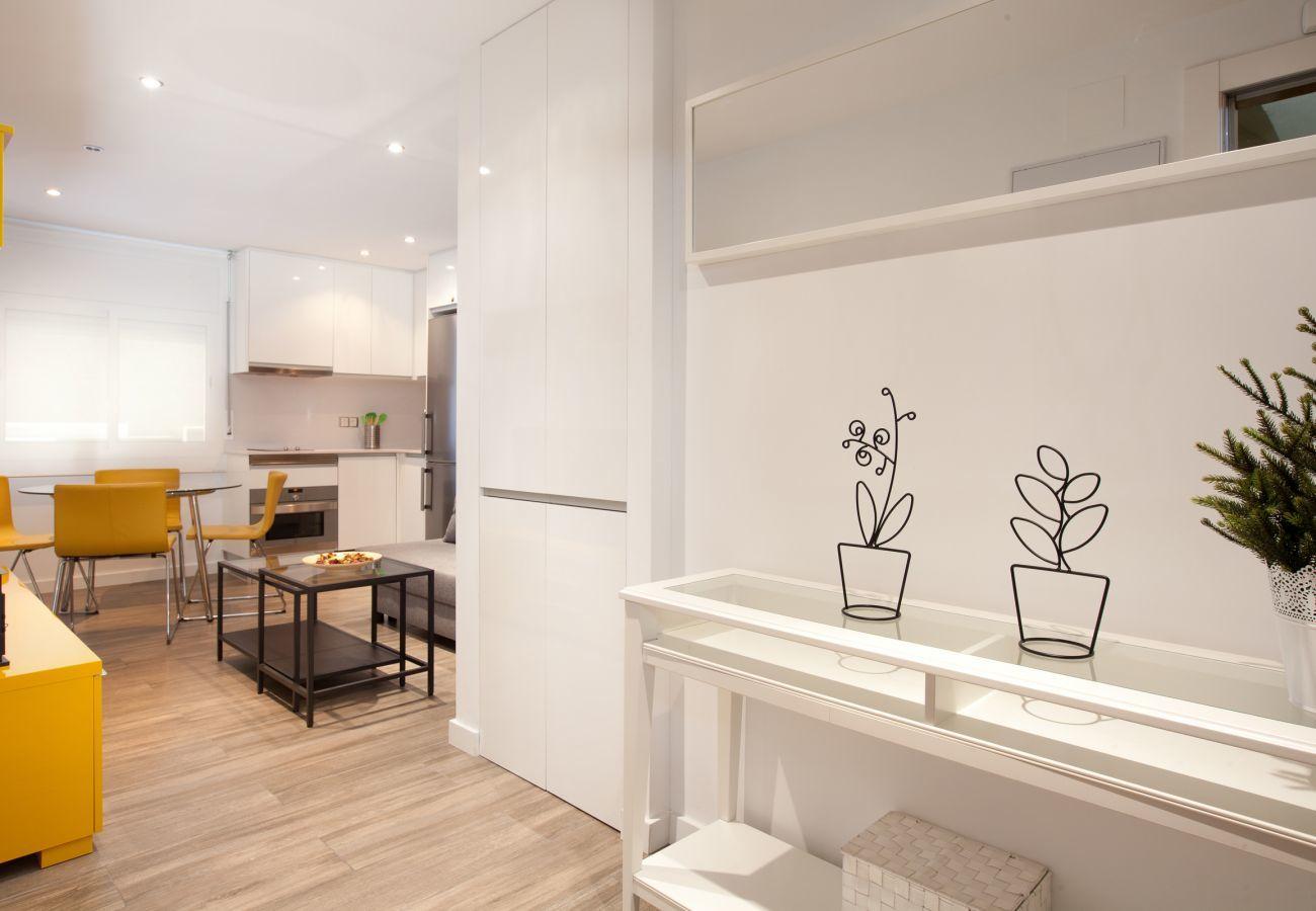 ingresso all'appartamento con 2 camere da letto a Barcellona vicino alla Sagrada Familia e all'ospedale Sant Pau