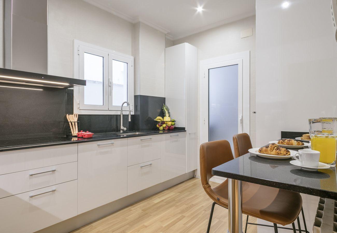 cucina di un appartamento familiare vicino alla Sagrada Familia