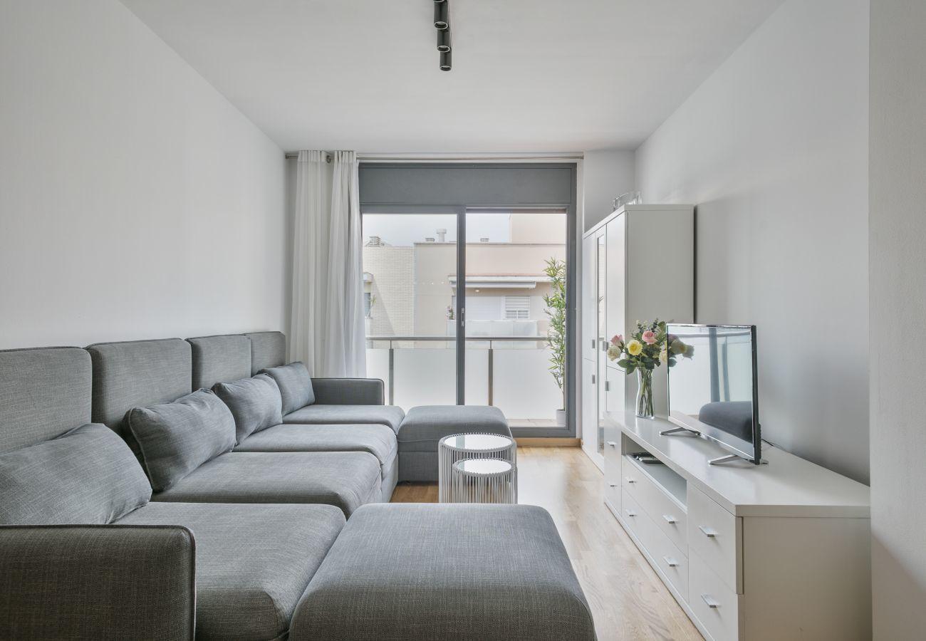 luminoso soggiorno di 3 camere da letto e balcone