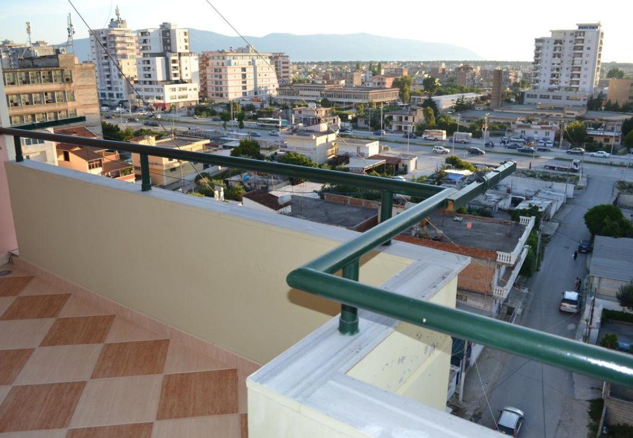 Belle vue sur la ville depuis le balcon