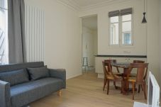 Studio in Paris - Rue Chateaubriand - Paris 8 - 108041