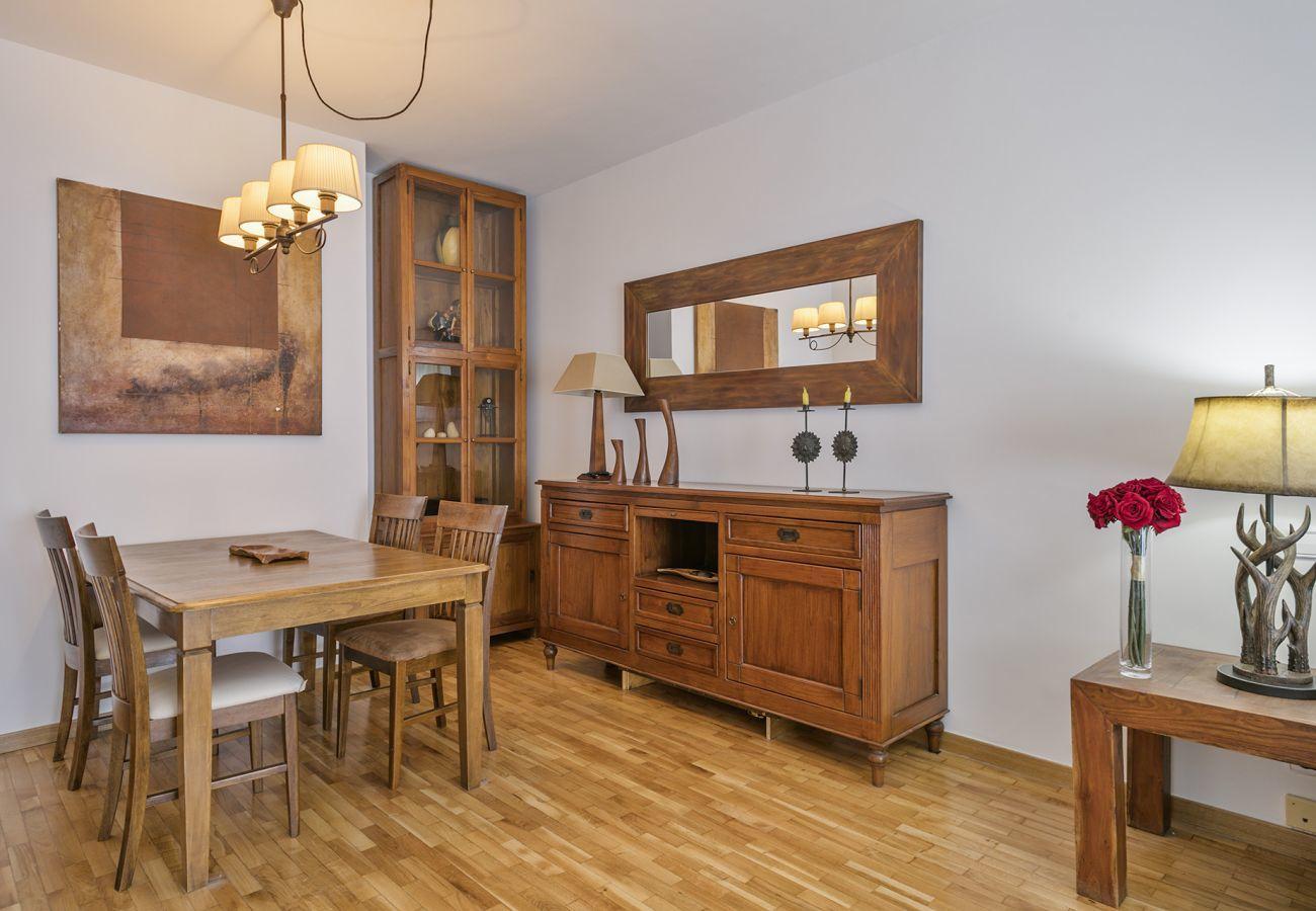 dining room of family apartment close to Sagrada Familia