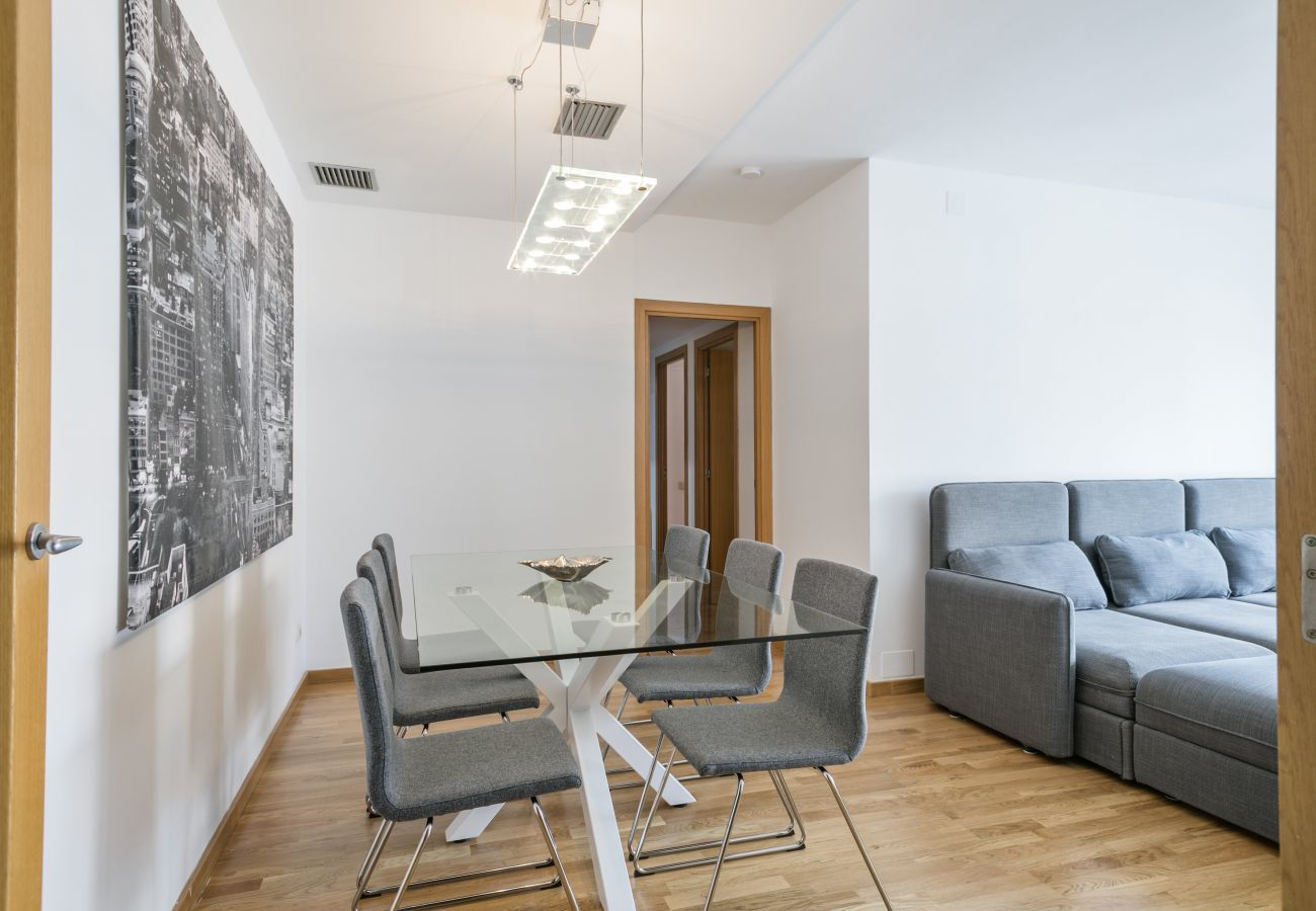 dining table in 3-bedroom apartment in PobleNou Barcelona